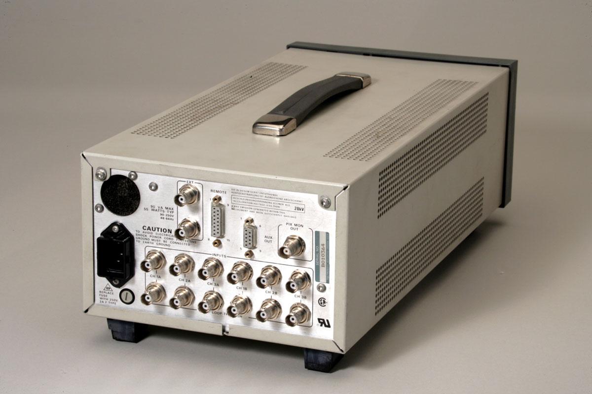 Tektronix 1735HD Waveform Monitor
